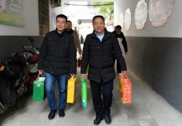 阜阳市妇女儿童医院慰问离退休老党员老干部